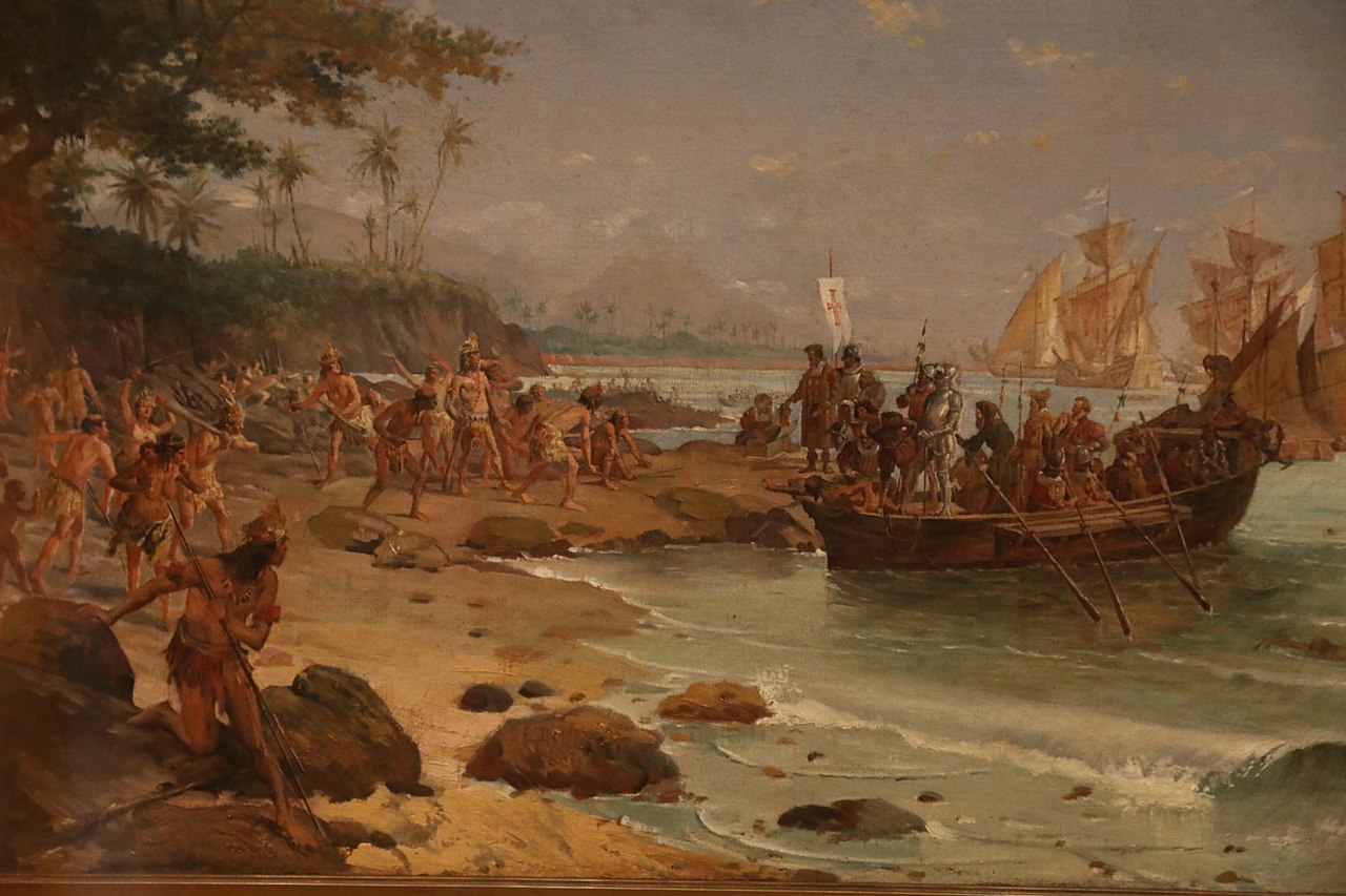 """A pintura histórica """"Desembarque de Cabral em Porto Seguro"""" (Oscar Pereira da Silva, 1904) , no acervo MHN, é uma das obras da pesquisa sobre a presença indígena nas coleções"""