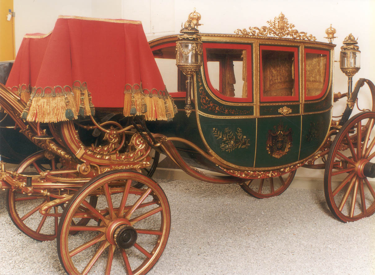 Do móvel ao automóvel: berlinda de dom Pedro II em exposição no MHN