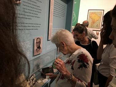 """Visitantes na exposição """"Nas asas da Panair"""""""